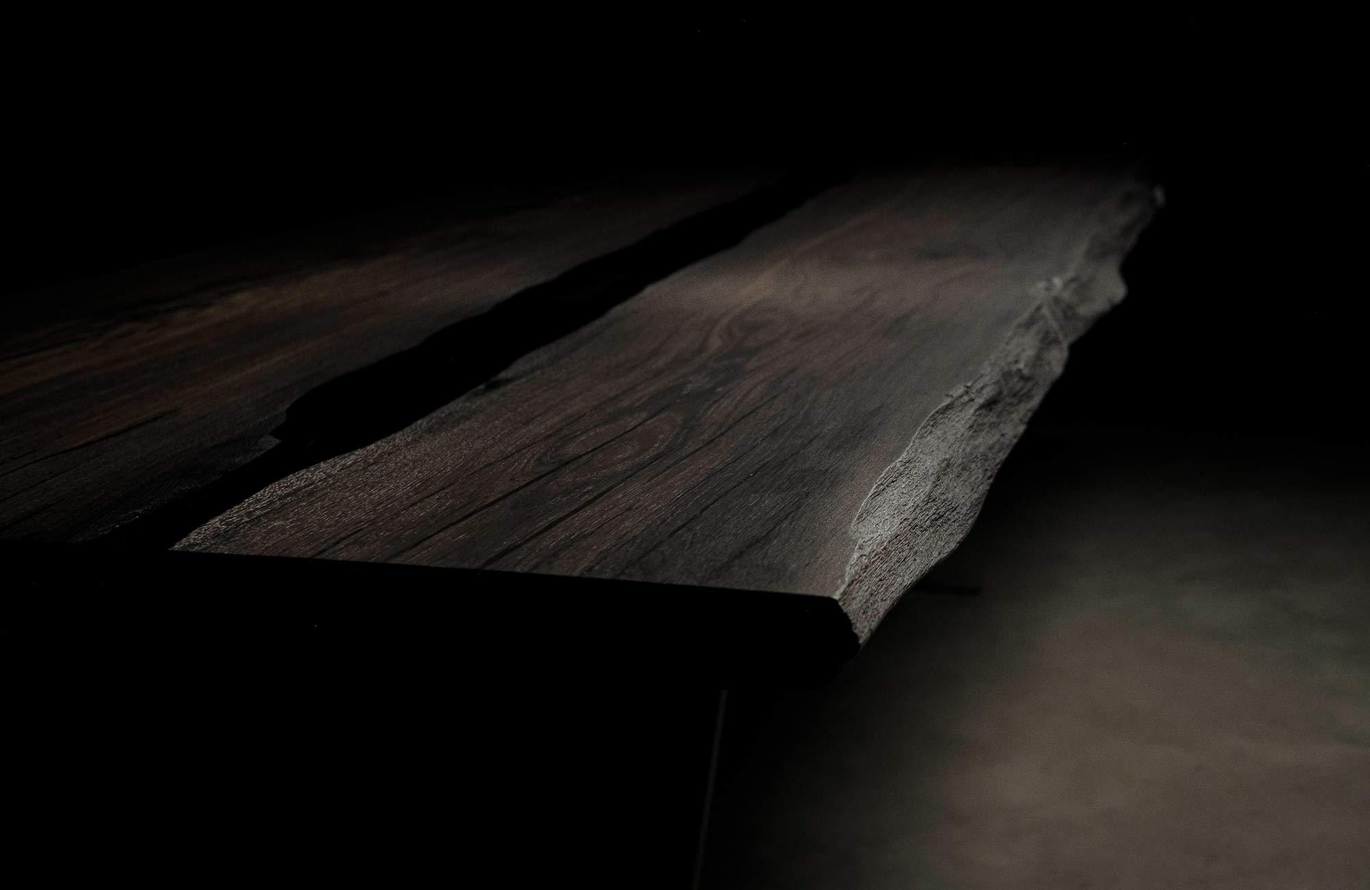tavoli legno fossile